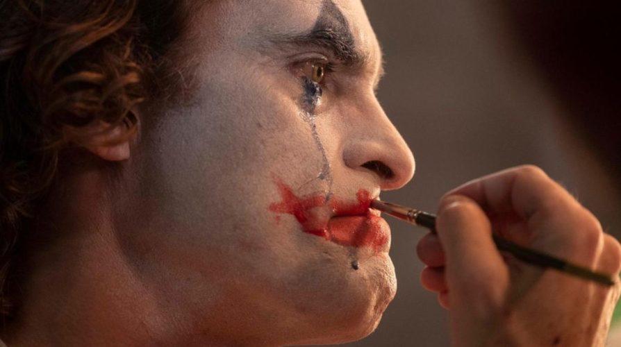 Poderosa, siniestra y muy cruda, llega al cine - Joker -.
